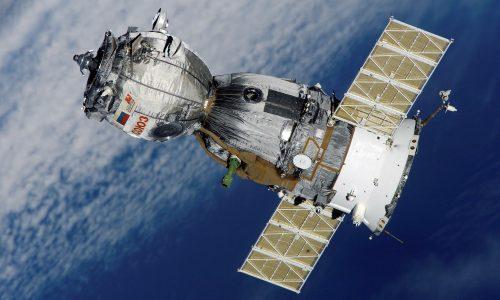 satellite-67718_1920